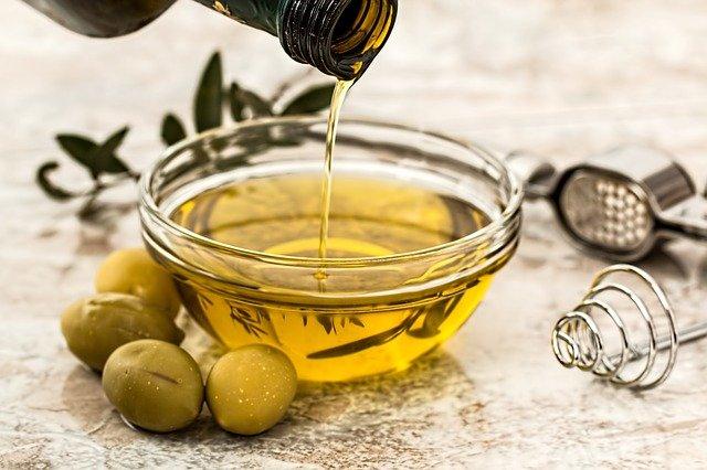 olive-oil-greek-gastronomy